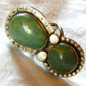Jewelry - Vintage turquoise ring size 7